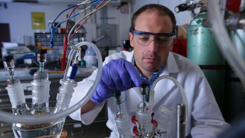 Prof. Dan Esposito in the Solar Fuels Engineering lab.