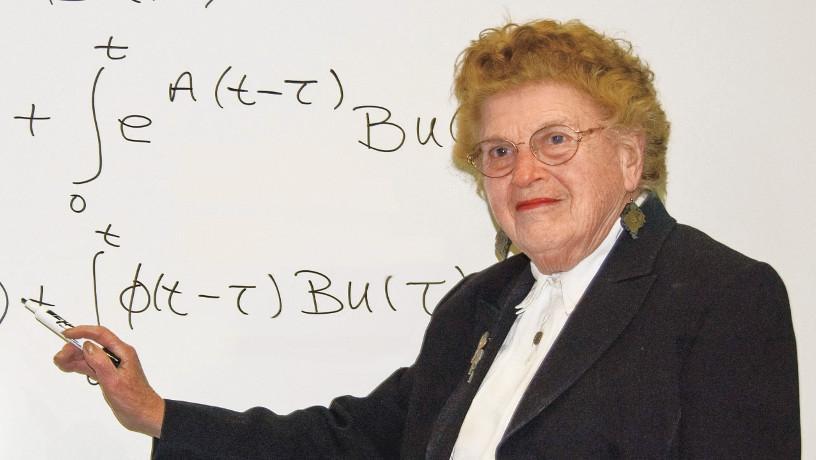 Portrait of Gloria Brooks Reinish.