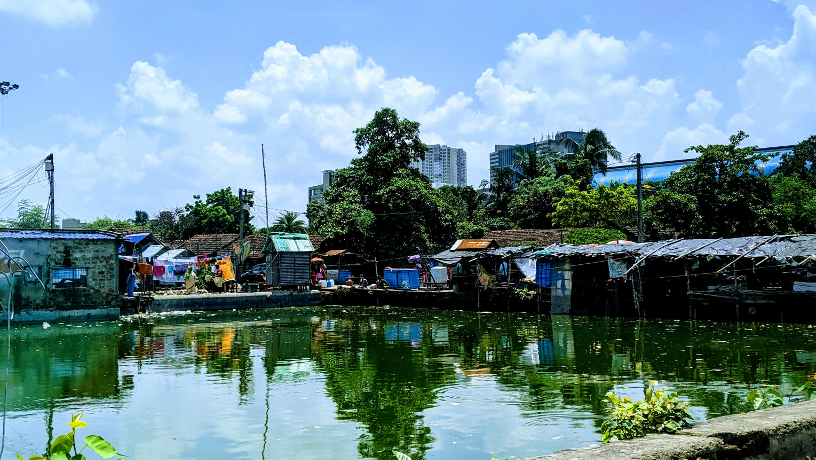 Sunny picture of a heavily populated urban area in Kolkata.