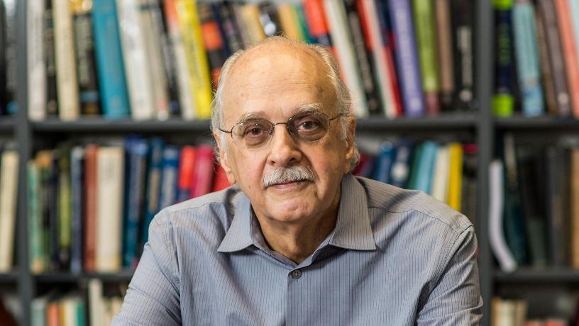 Portrait of Prof. Yannis Tsividis.